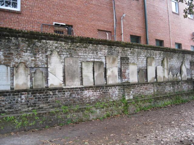 Day 3_Savannah_Colonial Park Cemetery_wall of broken stones