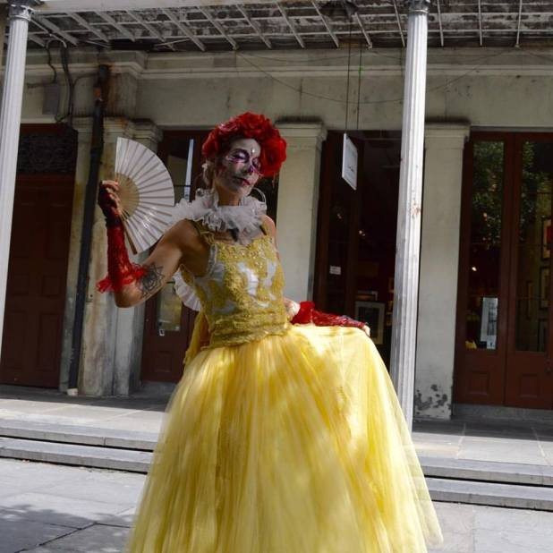 091816_beautiful-live-statue-in-the-french-quarter