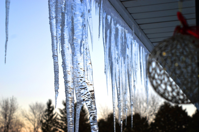 121916_icicles-at-dusk