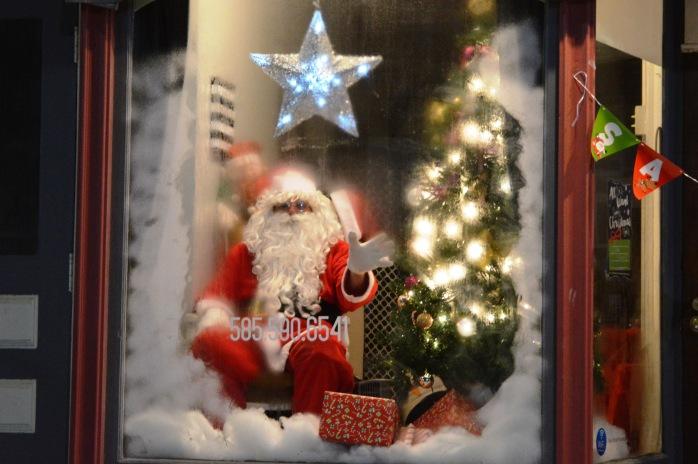 honorable-mention_tease-santa